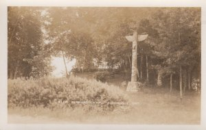 RP: SUNBRIDGE , Ontario , Canada , 1930s ; Glen Bernard Camp , Totem Pole