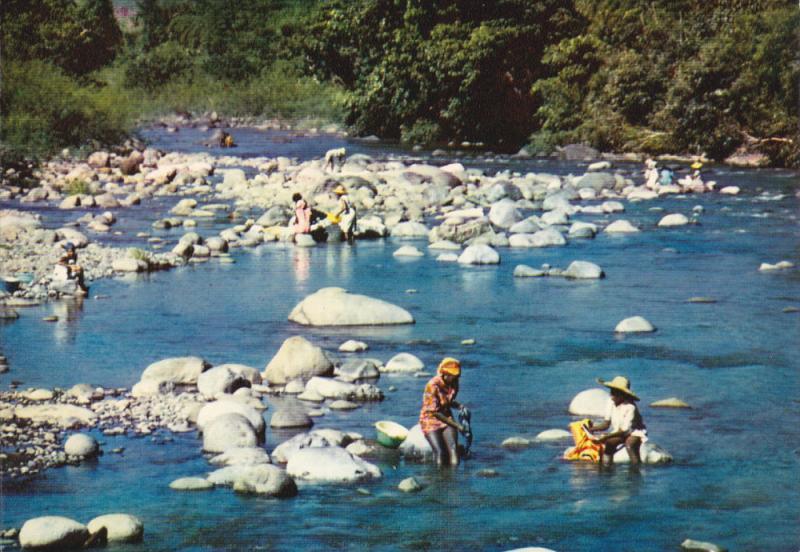 GUADELOUPE , 50-70s : Washer women