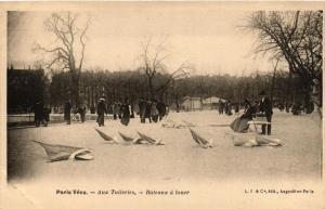CPA AK PARIS Vécu. Aux Tuileries Bateaux a louer (673046)