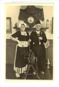 RP  Couple, Volendam , Netherlands, 20-40s