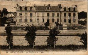 CPA RAMBOUILLET - La Gendarmerie (246529)
