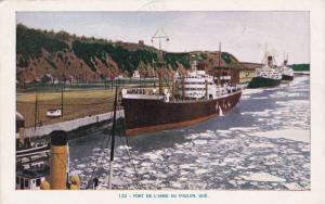 Ocean Liners , Port de L'Anse au Foulon , Quebec , Canada , PU-1961
