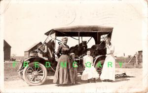 1911 Near Colorado Springs Real Photo PC: Iowa Picnickers by Their 1907-8 Buick