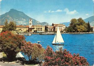 BT0882 Riva Lago di garda  Italy