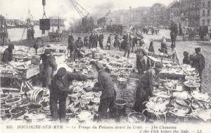 Boulogne Sur Mer Le Triage Du Poisson Fish Market Vintage French View Postcard