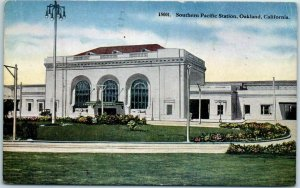 Oakland, California Postcard Southern Pacific Station Train Depot 1933 Cancel