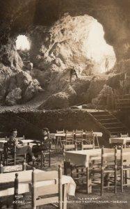 RP: La Gruta , Restaurant en Teotihuacan , Mexico , 1930-40s