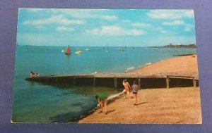 Vintage Postcard The Beach Thorpe Bay Essex  G1A
