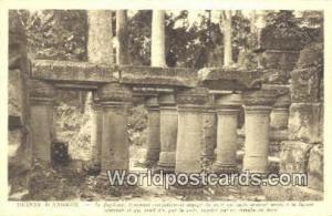 Ruines D'Angkor Cambodia, Cambodge Fragment completement degage du pont qui j...