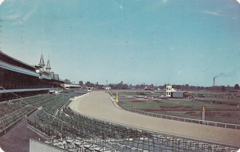 LOUISVILLE , Kentucky, 1951 ; Churchill Downs Horse Race Track