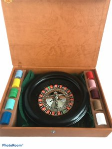 Vintage Genuine Lowe Mini Roulette Wheel Game Made in USA Hard Case