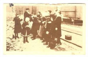 Bukharest, Romania, 1910s; Kids at train station