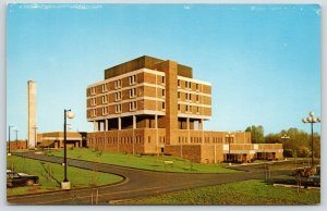 Rochester Michigan~Modern Architecture~Crittenton Hospital~Stross Postcard~1960s