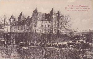 Chateau Henri IV et le Pic du Midi o'Ossau, Les Bannes-Pyrennes, PAU, Pyrenee...