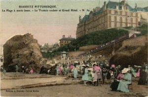 CPA AK BIARRITZ La Plage a Marée Basse Trottoi roulant et Gd Hotel (868780)