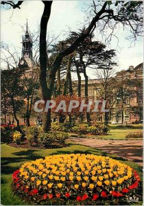 Postcard Modern Art City Toulouse Cite des Violettes Le Donjon du Capitole an...