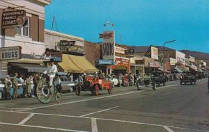 Antique Car Parade , PENTICTON , B.C. , Canada , 40-60s