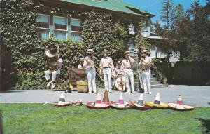 VICTORIA , B.C. , Canada , 50-60s ; Butchart Gardens The Buskers