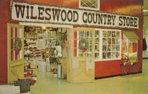 VANDALIA , Ohio , 50-60s ; Wileswood Country Store in airport terminal