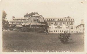 RP: WESTPORT , New York, 10-30s; Westport Inn , Lake Champlain