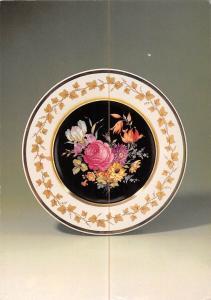 Staatliche Porzellan Manufaktur Berlin, Feine alte Blumen und Efeuranke