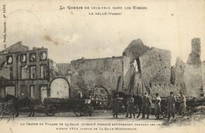 CPA La Guerre de 1914-1915 dans les Vosges La Salle (Vosges) Le Centre d(151742)