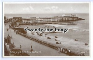 tq0329 - Norfolk - The Pier, Beach and Promenade, at Cromer -  postcard