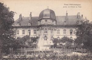 TOUL (Meurthe et Moselle), France, 1900-1910s : Jardin de l'Hotel de Ville