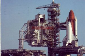 Continental-size THE CRAWLER TRANSPORTER & SHUTTLE DISCOVERY 1995