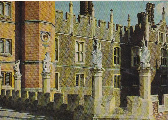 England Hampton Court Palace West Front With Five Of King's Beast