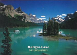 Canada Maligne Lake Spirit Island Alberta