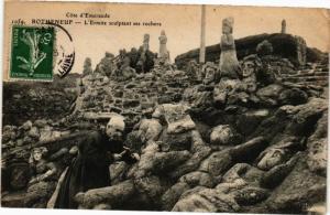 CPA Cote-d'Eméraude - ROTHÉNEUF - L'Ermite sculptant ses rochers (226895)