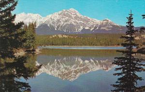 Canada Alberta Jasper Pyramid Mountain