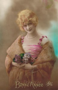 Vintage Beautiful Women with Flowers Postcard Lot of 8   01.19