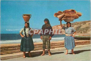 Postcard Modern 2 nazare portugal typical costume