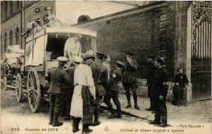 CPA Guerre de 1914 - Arrivée de blesses Anglais a AMIENS (515248)