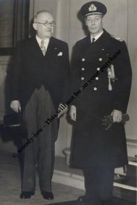 mm730 - King George VI with French President 1950 - Royalty photo 6x4