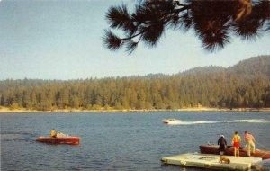 THE RIM O' WORLD LAKES Lake Gregory Arrowhead Big Bear Boats Vintage Postcard