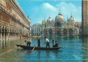Postcard Italy Venezia Exceptional high tide on S. Mark Square