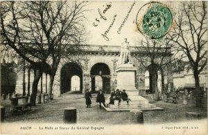 CPA AUCH - La Halle et Statue du Général Espagne (359771)