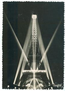 France, Paris, Le Tour Eiffel illumine, 1957 used real photo Postcard