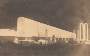 World's Fair , New York City , 1939 ; Textile Building - Brown