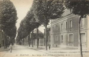 CPA BEAUVAIS - Rue d'Amiens (131089)