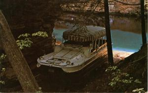 WI - The Dells. Aquaduck Cruise Tour Boats
