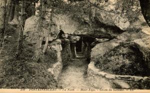 France - Fontainebleau. Mont Aigu, Grotte du Sarment