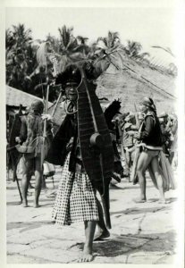 indonesia, NIAS, Native Warrior Shield Spear (1930s) Real Photo (09)