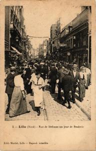 CPA LILLE - Rue de bethune un jour de braderie (190400)