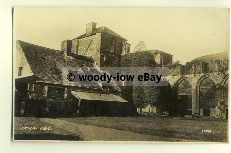 tp8222 - Wales - Early Augustinian Llanthony Abbey, in Vale of Ewyas - Postcard