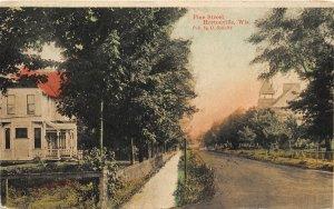 F50/ Hortonville Wisconsin Postcard c1910 Pine Street Homes