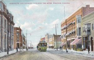 WINDSOR , Ontario , Canada , 00-10s ; Ouellette Avenue Looking toward the River